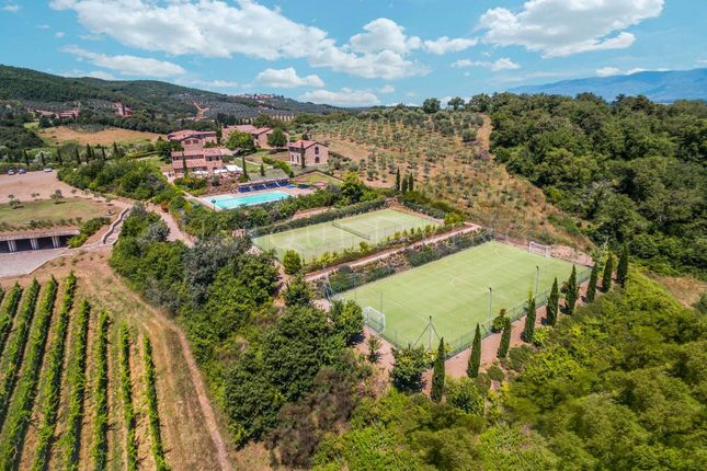 Thumbnail Town house for sale in Arezzo, 52100, Italy