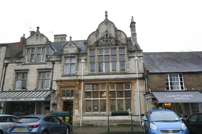 2 bed flat to rent in Market Place, Uppingham, Rutland LE15