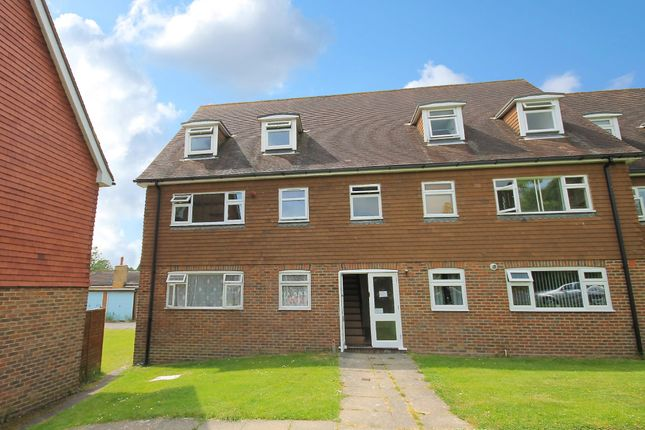 Thumbnail Flat to rent in Regency Close, Uckfield