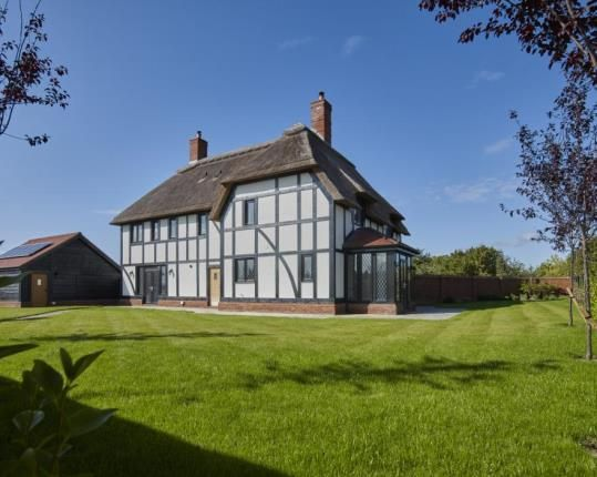 Thumbnail Detached house for sale in Kingshurst, 1 Kingshurst Gardens, Bretforton Road, Worcestershire