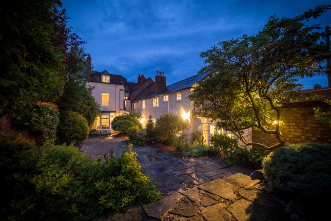 Thumbnail Town house for sale in High Street, Warwick