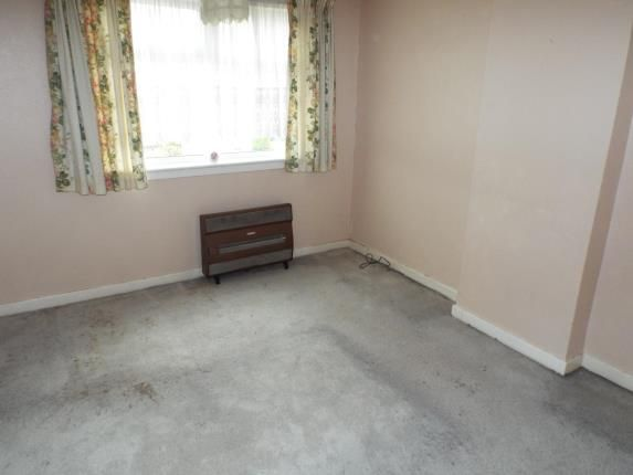 Picture No.13 of Sutherland Drive, Wirral, Merseyside CH62