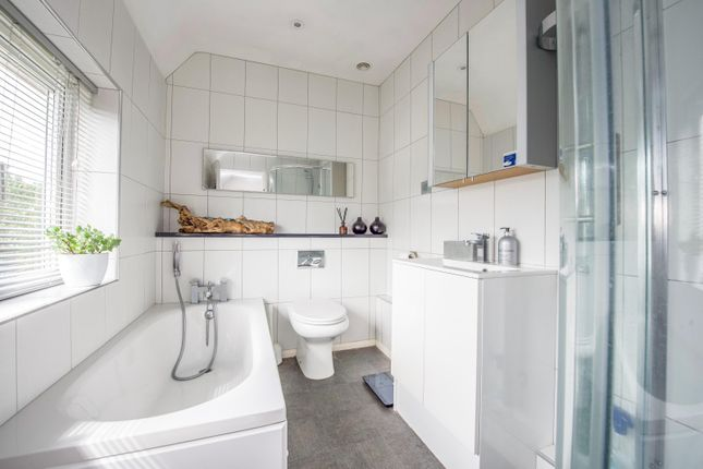 Bathroom of Wallingford Road, Goring, Reading RG8