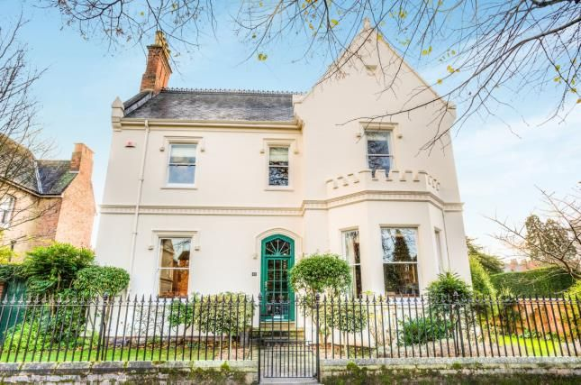 Thumbnail Detached house for sale in Binswood Avenue, Leamington Spa, Warwickshire, England