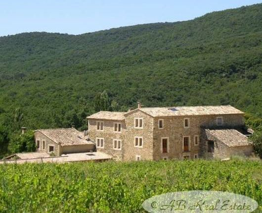 Farmhouse for sale in 30700 Uzès, France
