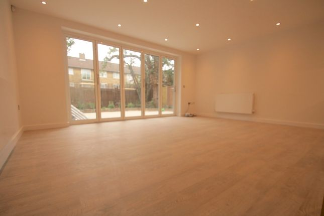 Thumbnail Flat to rent in Avenue Road, Harringay, Seven Sisters