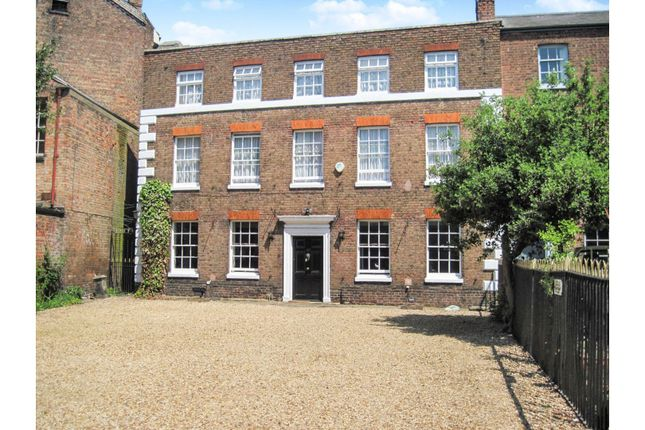 Thumbnail Town house for sale in 17 Hill Street, Wisbech