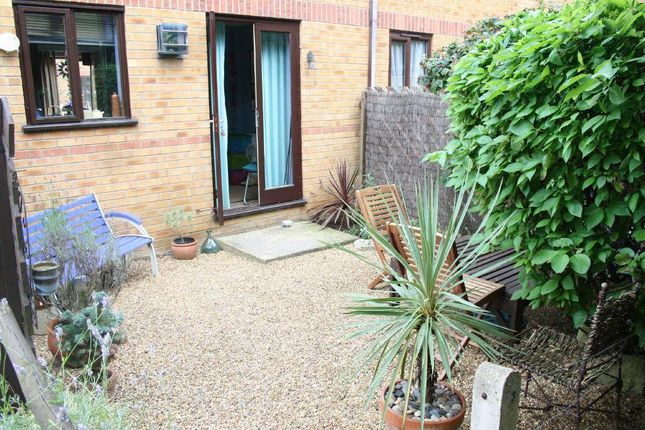 Thumbnail Property to rent in Dawson Road, Sleaford