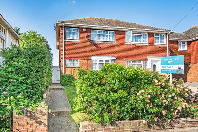 3 bed end terrace house for sale in London Road, Teynham, Sittingbourne ME9
