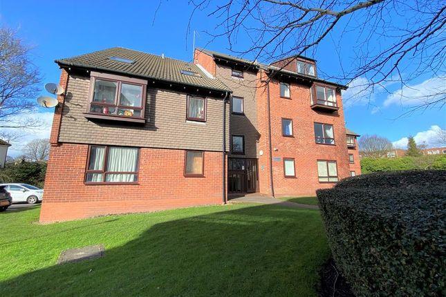 Flat to rent in Griffin Gardens, Harborne, Birmingham