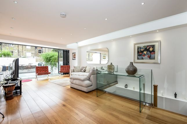 Thumbnail Property for sale in Sisters Avenue, London
