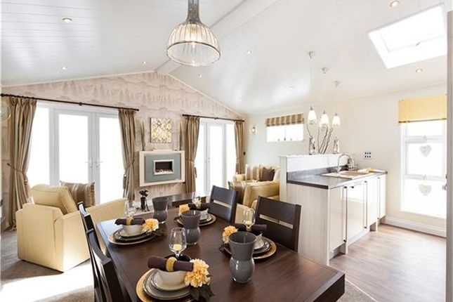 Thumbnail Mobile/park home for sale in Fallbarrow Park Bowness On Windermere, Bowness On Windermere
