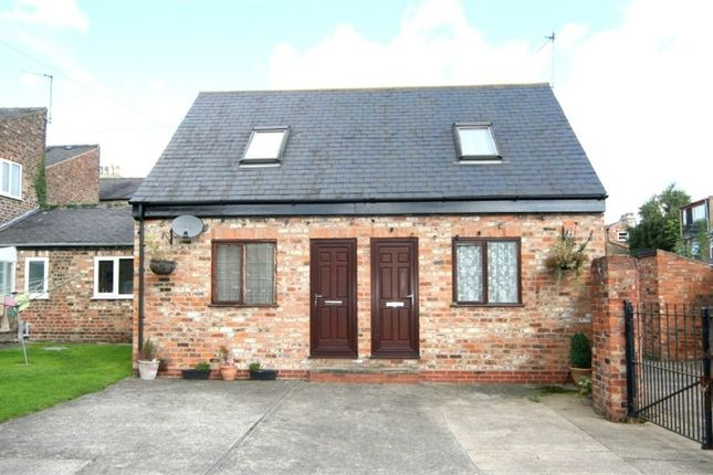 Thumbnail Mews house to rent in Wigginton Road, York