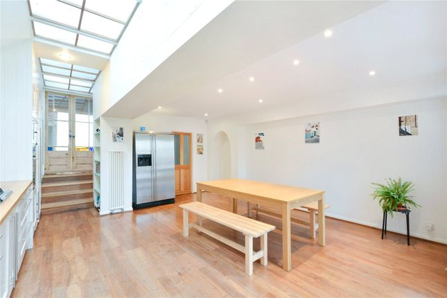 Thumbnail Terraced house to rent in Groombridge Road, South Hackney
