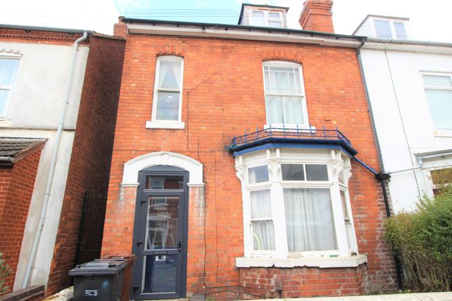 Thumbnail Shared accommodation to rent in Staveley Road, Wolverhampton