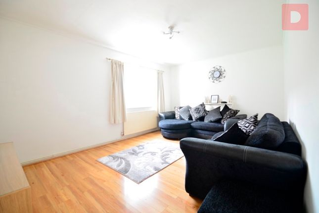 Thumbnail Terraced house to rent in Paragon Road, London
