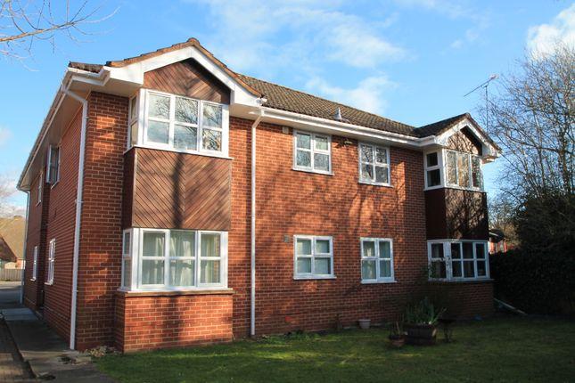 Thumbnail Flat to rent in Binfield Road, Bracknell