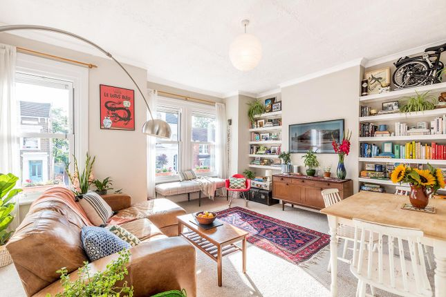 Thumbnail Flat for sale in Martell Road, London