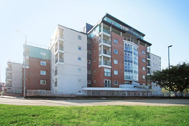 2 bed flat to rent in London Road, Newcastle-Under-Lyme