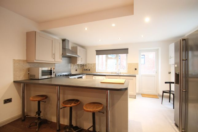 Thumbnail Detached house to rent in Westbury Road, Walthamstow