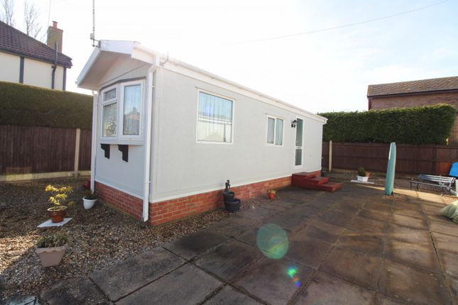 Thumbnail Mobile/park home for sale in Beverley Court, Gorleston