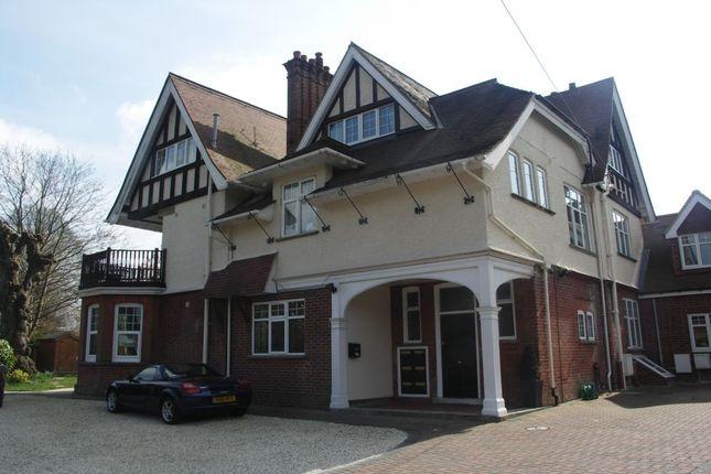 Thumbnail Flat to rent in Heath Road, Petersfield