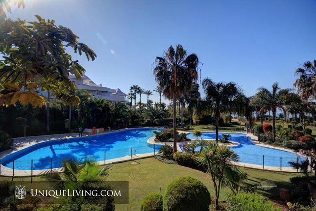 3 bed villa for sale in Riviera Andaluza, Estepona, Costa Del Sol