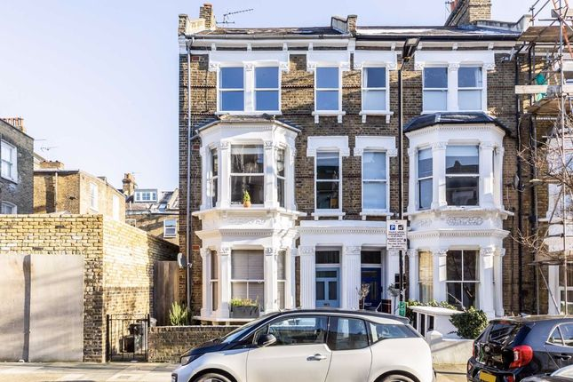 Thumbnail Flat to rent in Macroom Road, London
