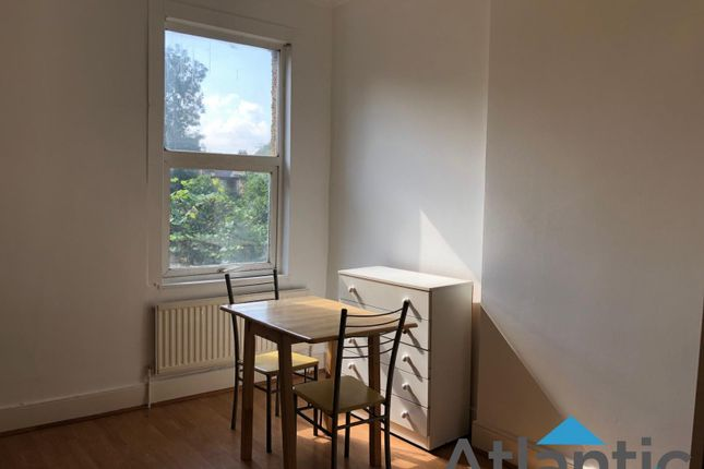 Thumbnail Flat to rent in 41 Bowes Road, Palmers Green