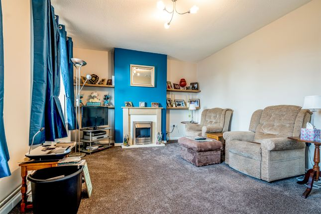3 bed terraced house for sale in Roxton Road, Great Barford, Bedford