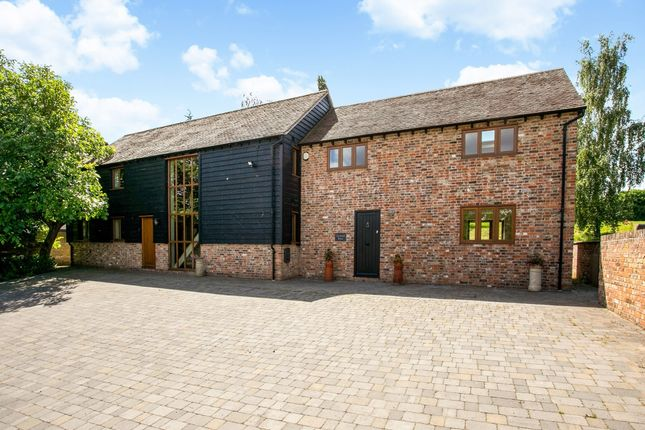 Thumbnail Barn conversion to rent in Lower Road, Postcombe, Thame