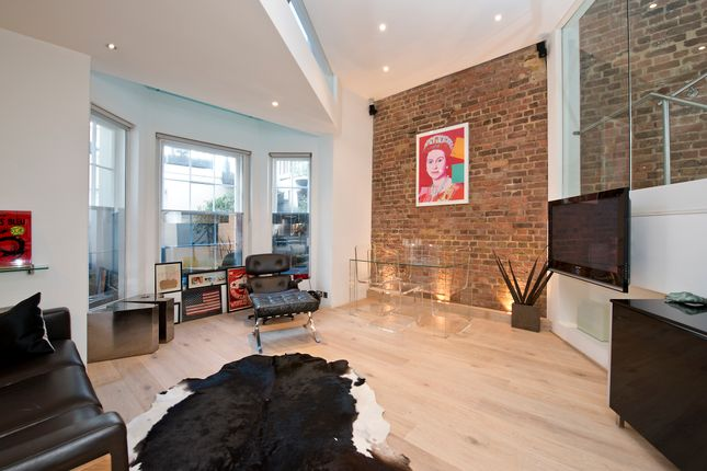 2 bed flat for sale in Gloucester Road, London