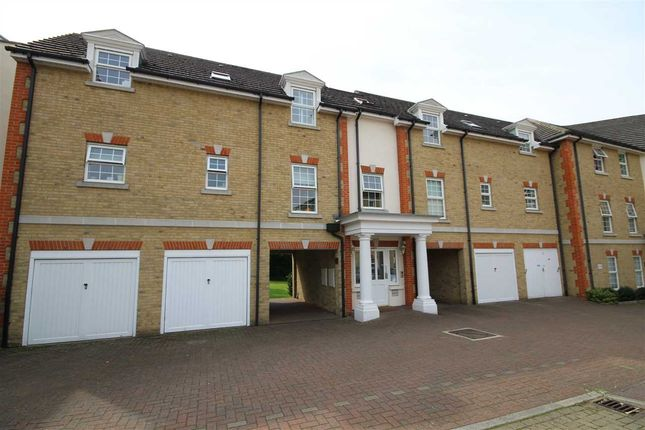 Thumbnail Flat for sale in Fuller Close, Bushey