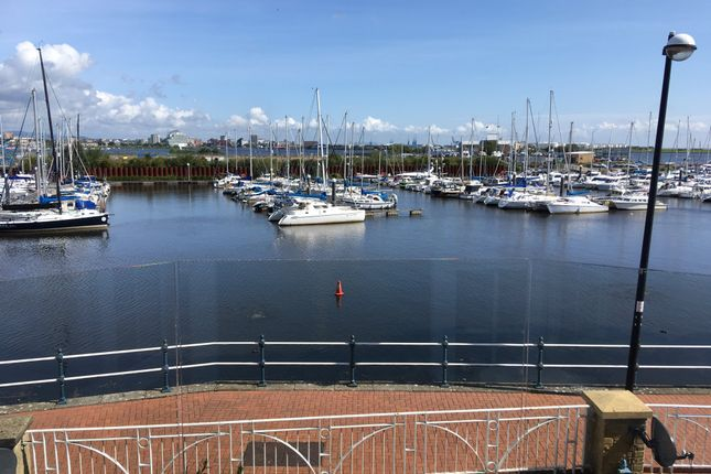 Thumbnail 4 bed town house to rent in Chandlers Way, Penarth