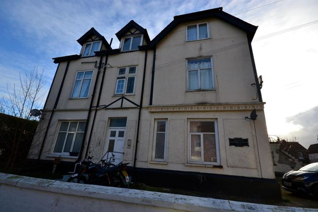 Thumbnail Flat to rent in Granville Road, Clacton-On-Sea