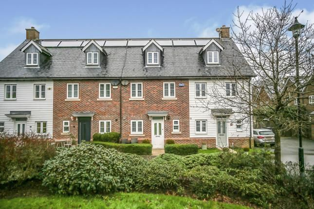 3 bed town house for sale in Broomfield, Bells Yew Green, Tunbridge Wells, East Sussex TN3