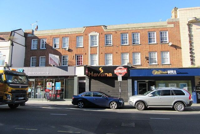 Thumbnail Flat for sale in South End, Purley, South Croydon