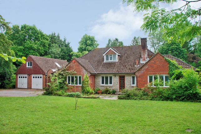 Thumbnail Detached house for sale in Woodlands Road, Ashurst, Southampton