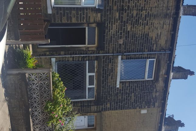 Thumbnail Terraced house to rent in Compton Street, Bradford