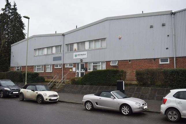 Thumbnail Warehouse to let in Chickenhall Lane, Fair Oak, Eastleigh