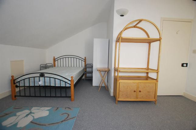 Thumbnail Property to rent in Mount Avenue, 12 Mount Avenue, Ealing