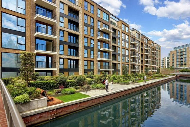 Thumbnail Flat for sale in Chelsea Creek, Fulham