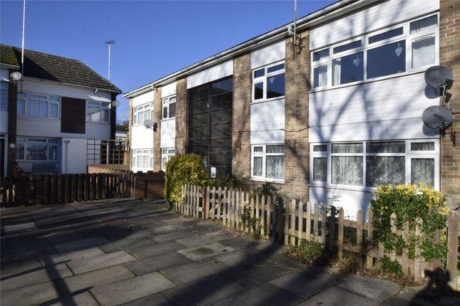Thumbnail Flat to rent in Hawkinge Walk, Orpington, Kent