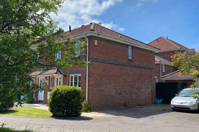 3 bed semi-detached house to rent in Saffron Way, Whiteley, Fareham PO15