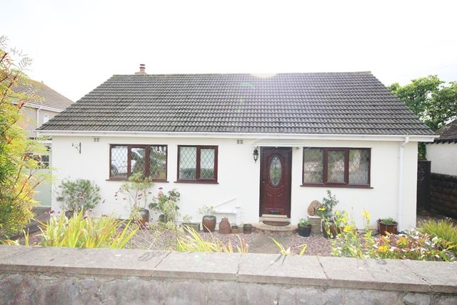 Thumbnail Detached bungalow to rent in Marine Road, Penrhyn Bay, Llandudno