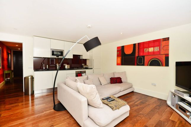 Thumbnail Flat to rent in Offord Road, Islington