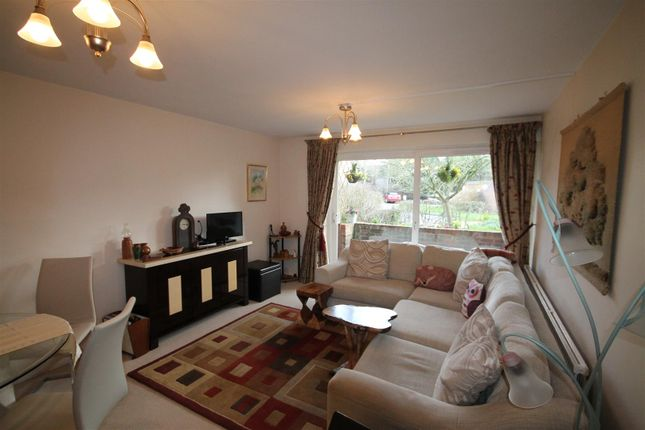 Thumbnail Flat to rent in Coningsby Court, The Dell, Radlett