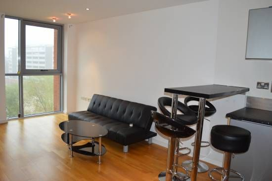 Thumbnail Flat to rent in Gotts Road, Leeds