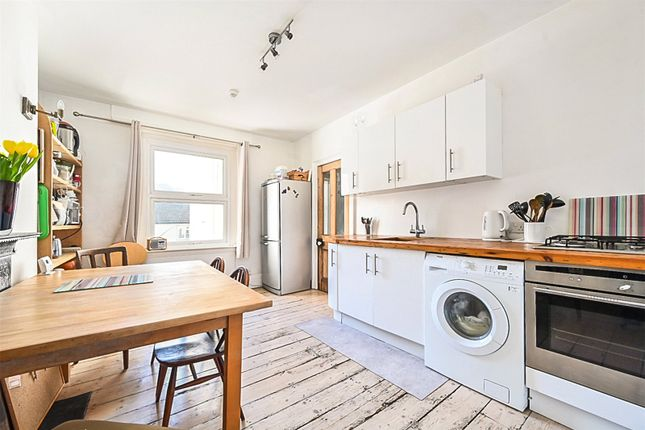 4 bed flat for sale in Victoria Terrace, Hove, East Sussex BN3
