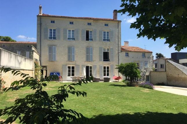 Thumbnail Property for sale in Fontenay Le Comte, Pays-De-La-Loire, 85200, France